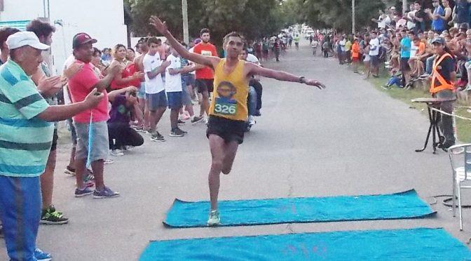 Emanuel Espinosa ganó las 10 millas